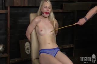 Классное БДСМ порно с любительницами хардкора №2081