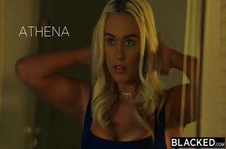 Блондиночка охотно работает писечкой на члене №454 1
