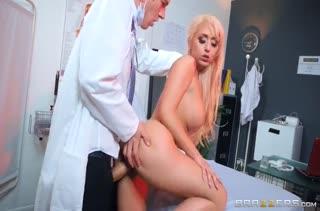 Смачный трах девочек с нереально здоровыми дойками №1752 3