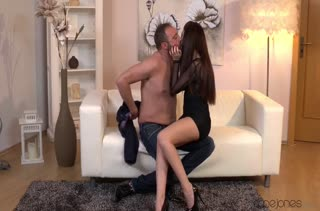 Классный секс с темноволосой девочкой №1465 смотреть 1