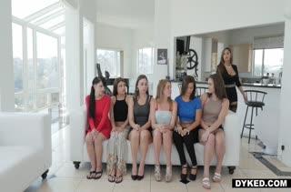 Бесплатное видео с бабенками в чулочках №1137 1