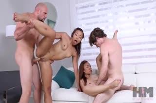 Сексуальные чики легко соглашаются на порно кастинг №736 5